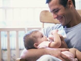 A criança que cresce com o pai ausente pode perder a autoestima e ter dificuldade de socialização