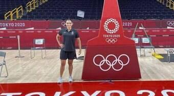 Brasileira é a 1ª mulher a apitar jogo de basquete masculino