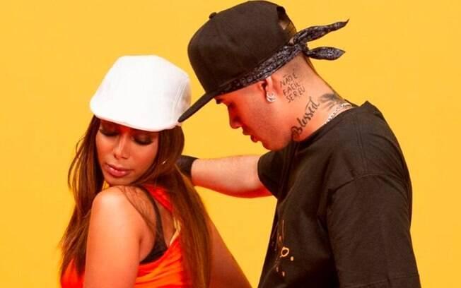 Anitta e Kevinho, no clipe de Terremoto