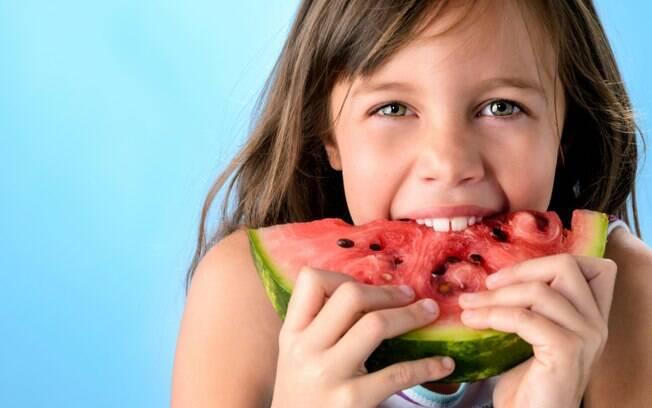 Ofereça comida de verdade para seus filhos para realmente alimentá-los e não só encher a barriga
