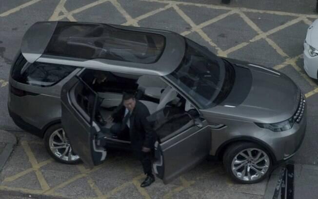 Entre seus protótipos, a Land Rover optou por mostrar o Discovery Vision em Black Mirror