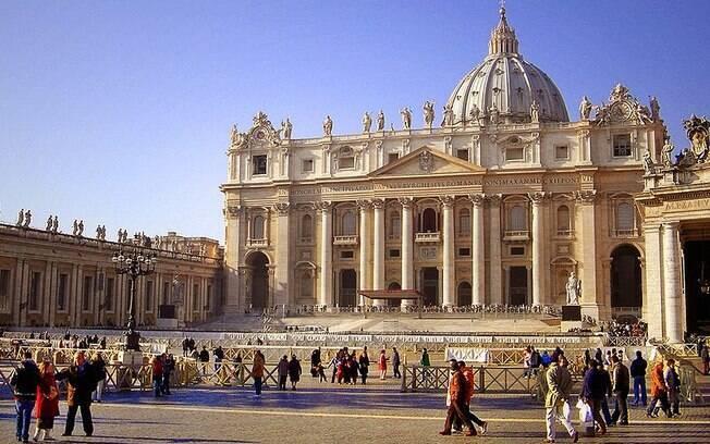 Basílica de São Pedro, no Vaticano; pela Itália ser um país tão cristão, ela é um potencial alvo para o Estado Islâmico