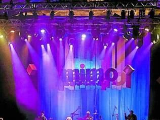 Palco. Toninho Horta e sua Orquestra Fantasma no palco do festival MIMO na praça Tiradentes, na noite de sexta-feira em Ouro Preto