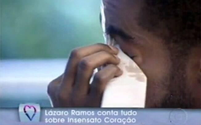 Lázaro Ramos se emociona no programa