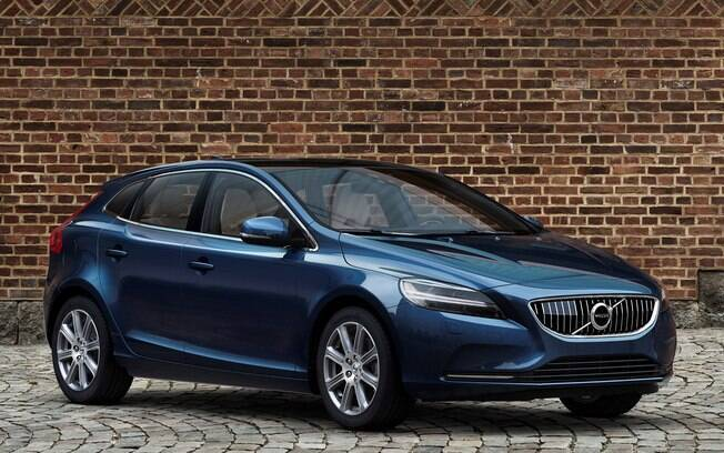O sofisticado Volvo V40 abre a lista dos hatches médios que menos desvalorizam