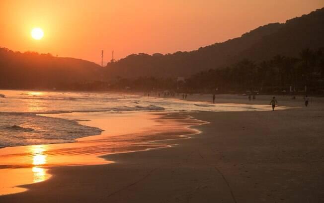 São Sebastião - Por do sol na praia de Juquehy
