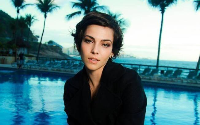 Tainá Müller foi a atriz escolhida para substituir Alinne Moraes na próxima trama das 21h da TV Globo
