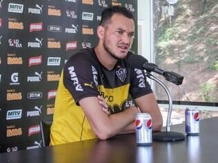 Zagueiro Réver sofreu com lesões e pouco atuou na temporada 2014 pelo Atlético