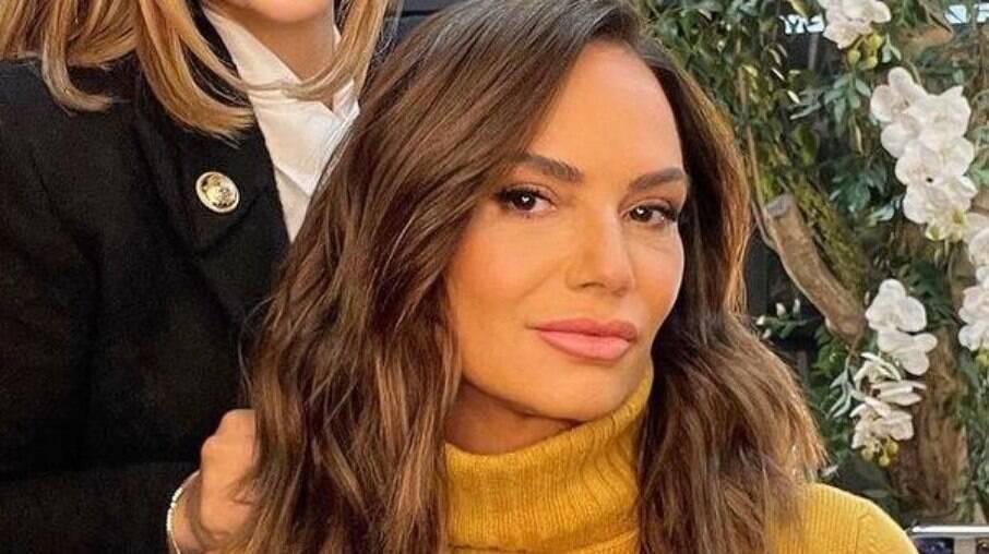Luiza Brunet sofre críticas por harmonização facial