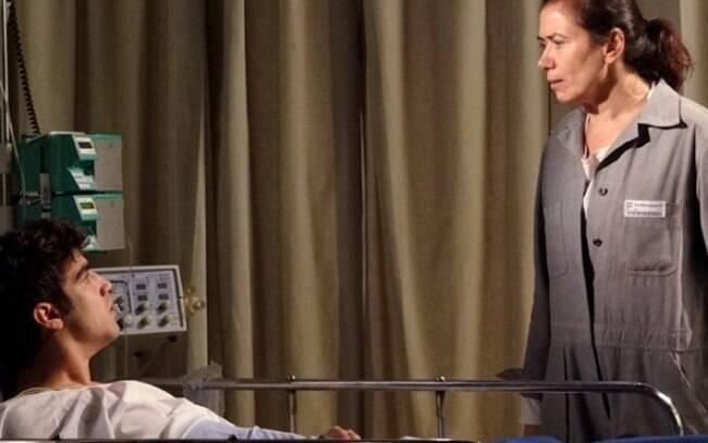 Dececpionada com o filho, Griselda expulsa Antenor de casa