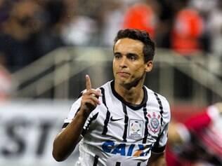 Jadson começou o ano no banco de reservas e chegou até ser especulado no Flamengo