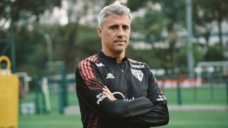 São Paulo anunciou a saída de Hernán Crespo nesta quarta-feira