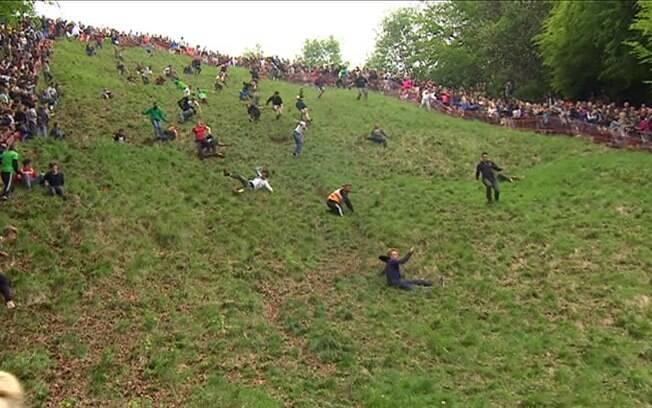 Milhares de pessoas participaram de 'caçada' a blocos do queijo