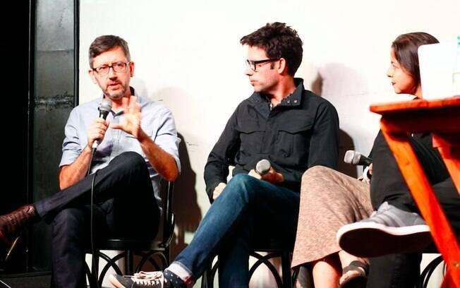 Os debatedores da noite de estreia (da esq. para a dir.): Sérgio Lüdtke, Fernando Luna e Carla Jimenez