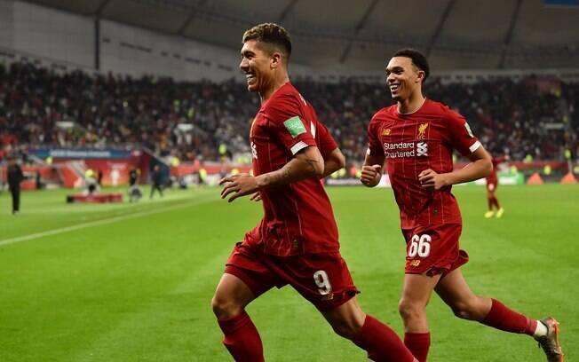 Firmino comemora gol do Liverpool no Mundial de Clubes