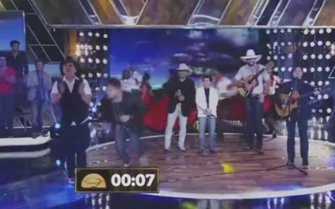 Christiano desmaia no palco do 'Festival Sertanejo'