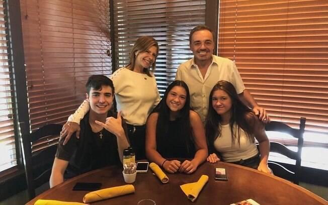 Gugu Liberato%2C Rose Miriam%2C João Augusto%2C Sofia e Marina