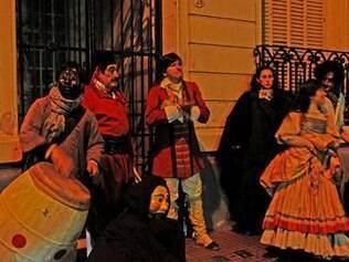 Atores revivem cenas que marcaram a história de Buenos Aires