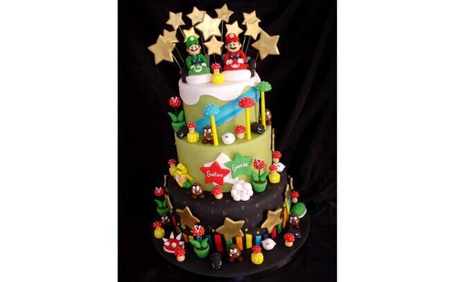 Para um aniversariante fã de videogame: bolo do Super Mario, de Isa Cake Designer.
