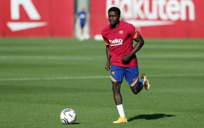 Barcelona empresta Moussa Wagué ao PAOK, da Grécia, por um ano