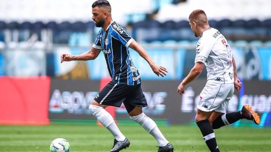 Maicon rescindiu com o Grêmio