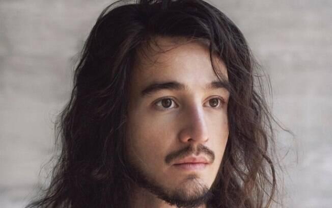 Tiago Iorc lançou novo disco,