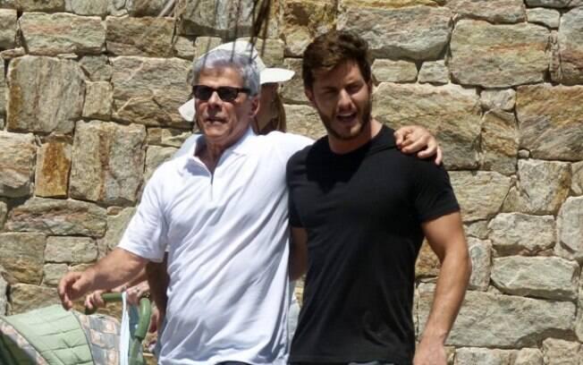 Claudio (Zé Mayer) e Leonardo (Klebber Toledo). Foto: Reprodução