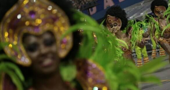 Mesmo com sufoco, Peruche traz Salvador ao carnaval de SP sem atrasos
