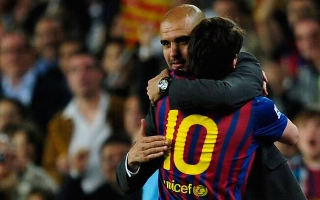 Guardiola e Lionel Messi trabalharam juntos por vários anos no Barcelona e conquistaram muitos títulos