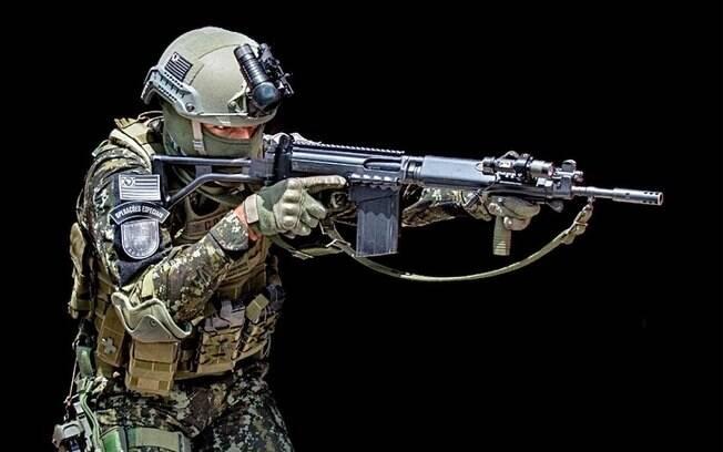 Policial Militar do Comandos e Operações Especiais