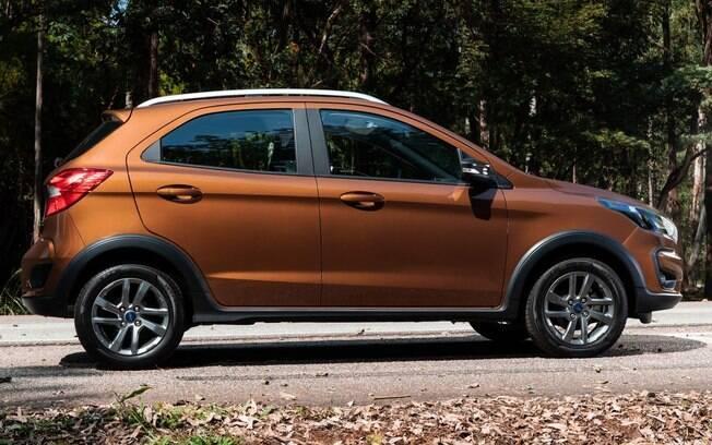 Além das rodas pintadas de cinza grafite,  apenas o Ford Ka FreeStyle conta com maior vão livre do solo