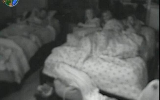 Peões estão assustados com a pegadinha no quarto