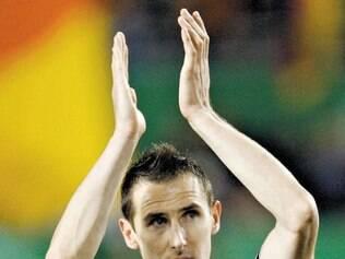 Se jogor estiver fácil, Klose (foto) pode entrar e se igualar a Ronaldo
