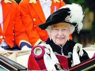 Risco. Segurança da Rainha Elizabete II está preocupada com o excesso de visitantes nos palácios