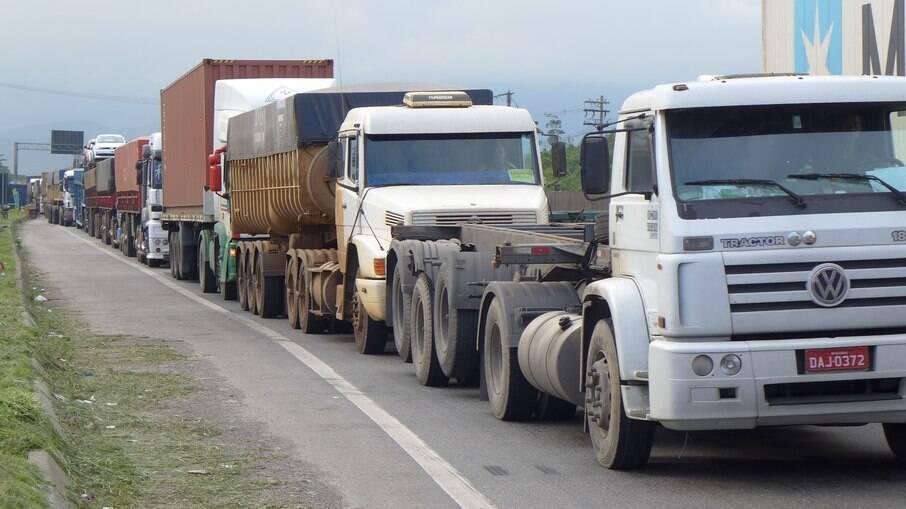 Decisão proíbe obstrução da rodovia Presidente Dutra