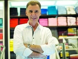 Empreendedor. Com apenas uma costureira, Salvador Ohana iniciou a história da empresa na garagem de uma casa em Belo Horizonte