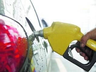 Ação. Governo tem segurado preço de combustíveis para evitar impacto negativo na inflação 2014