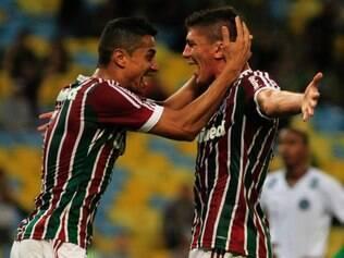 Flu contou com o volante Edson para marcar os dois gols que garantiram o triunfo