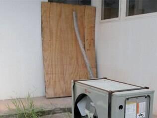 Diversos equipamentos foram destruídos por vândalos