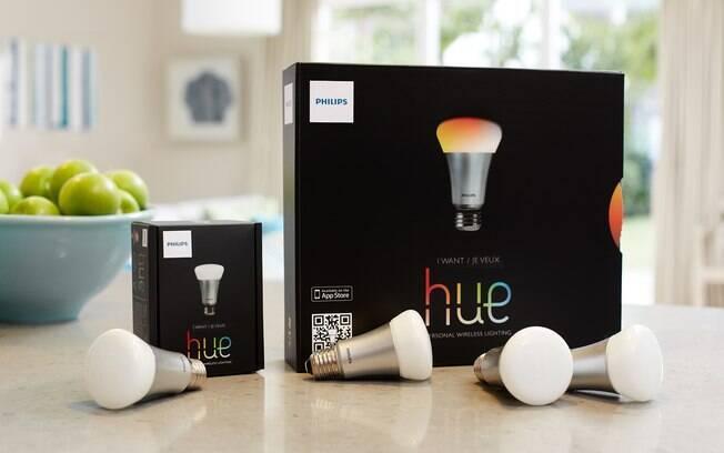 Lâmpada LED inteligente permite controlar e personalizar a iluminação e ligar e desligar remotamente as luzes. Foto: Divulgação