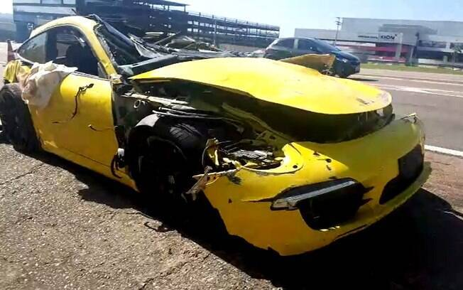 Porsche capotou após ter atingido vaca em rodovia no interior de São Paulo