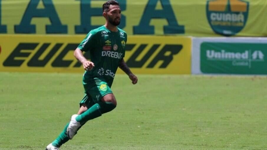 Clayson está emprestado até o fim da temporada ao Cuiabá