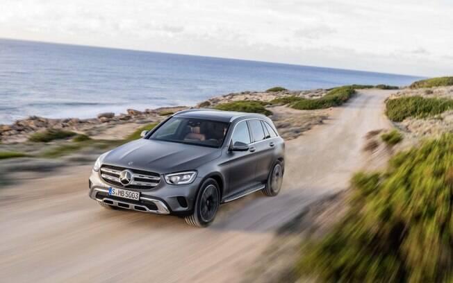 Mercedes-Benz GLC de nova geração irá ao Salão de Genebra 2019 com equipamentos e motores mais modernos