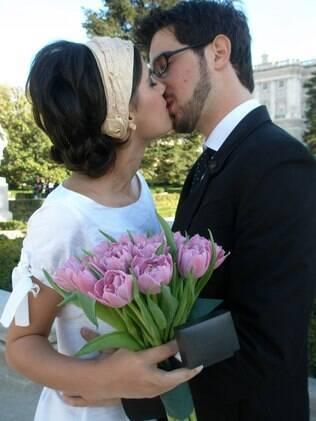 Sarah e Leo queriam um casamento bem íntimo, em um lugar lindo