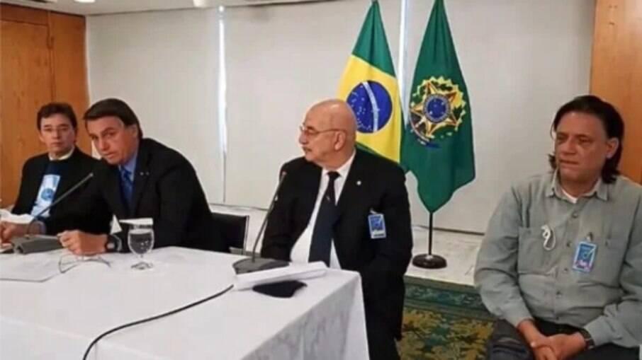 Imagens mostram trechos de uma reunião ocorrida em 8 de setembro de 2020