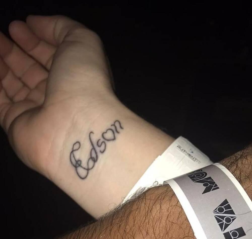 Mulheres foram obrigadas a tatuar nome de Edson Batista contra a própria vontade. Foto: Arquivo pessoal
