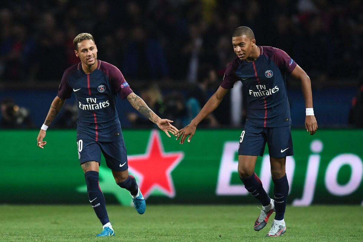 Neymar e Mbappé foram muito bem na vitória do PSG sobre o Bayern de Munique por 3 a 0. Foto: Reprodução/Twitter/PSGbrasil