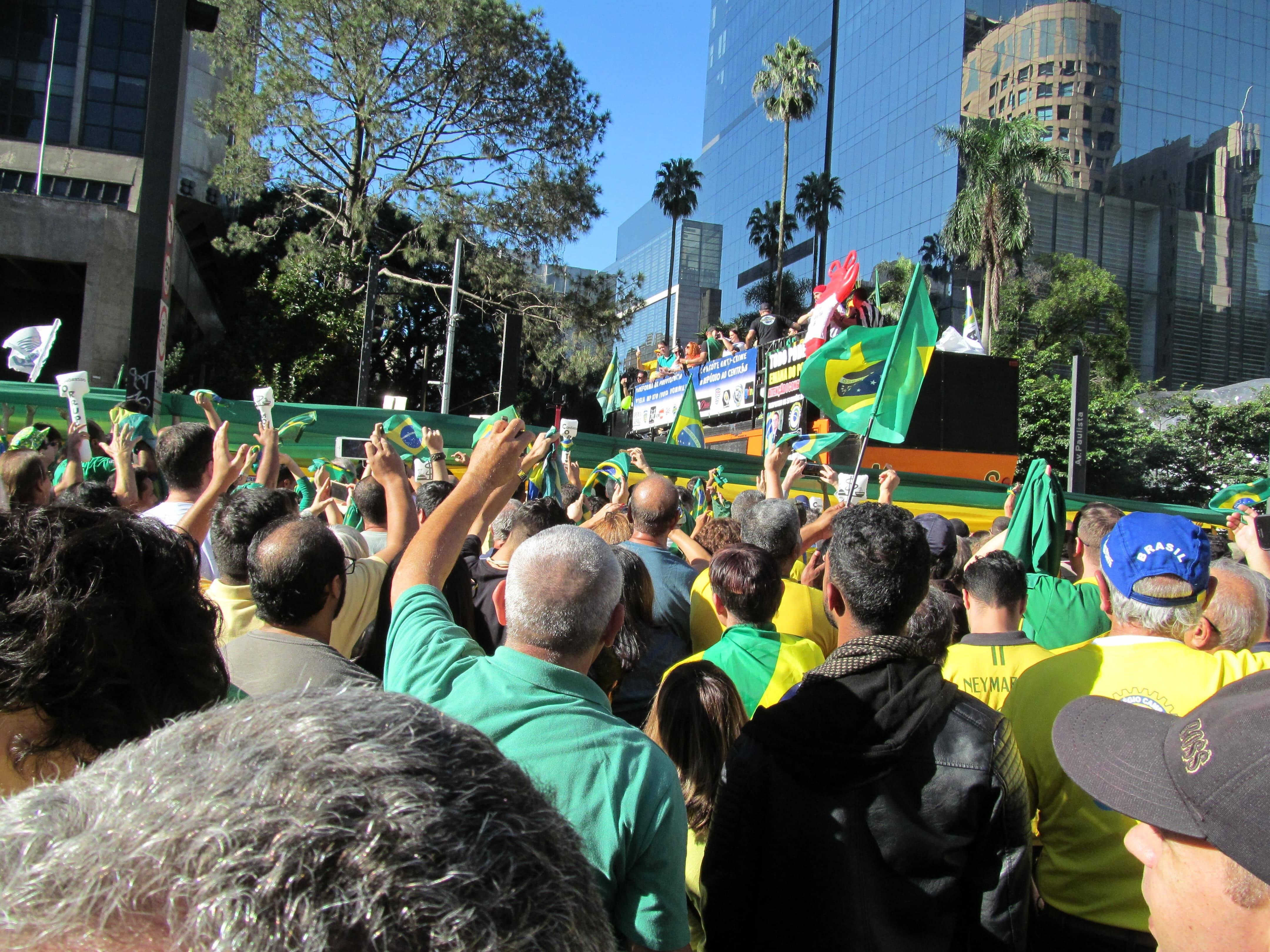 Manifestantes ovacionaram discursos contra o MBL. Foto: João Cesar Diaz
