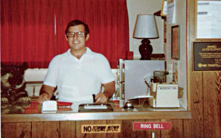 Gerald Foos, dono do hotel. Foto: Reprodução