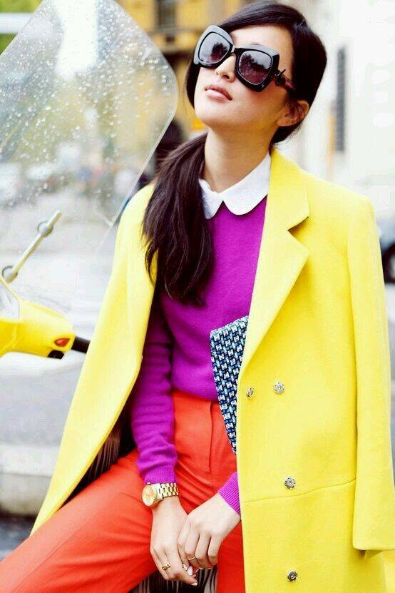 O estilo dopamine dressing prega o uso de diversas cores para transmitir felicidade. Foto: Pinterest
